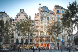BARCELONA 4 HOURS PRIVATE CITY TOUR, SAGRADA FAMILIA AND PARC GUELL